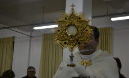 Cenáculo de Pentecostes aquece o domingo gelado dos carismáticos!
