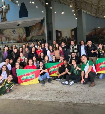 JOVENS DA NOSSA DIOCESE PARTICIPARAM DO ENCONTRO NACIONAL DE JOVENS DA RCC BRASIL